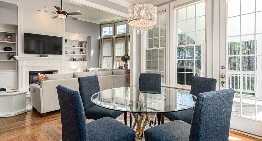 Būsto pardavimas: savarankiškai ar su nekilnojamo turto brokerio pagalba?
